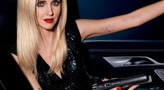 Get your good hair day anywhere, like Chiara Ferragni with the ghd unplugged styler