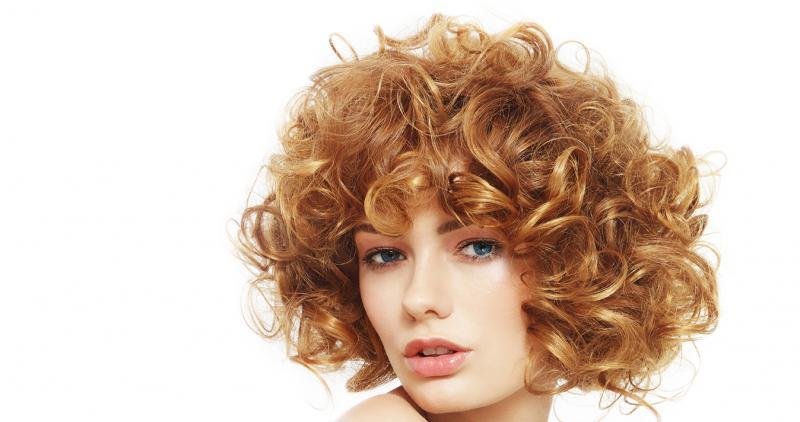 Corte de cabello rizado