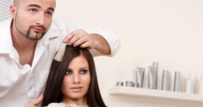 5 preguntas que siempre has de realizar a un cliente en el salón de peluquería