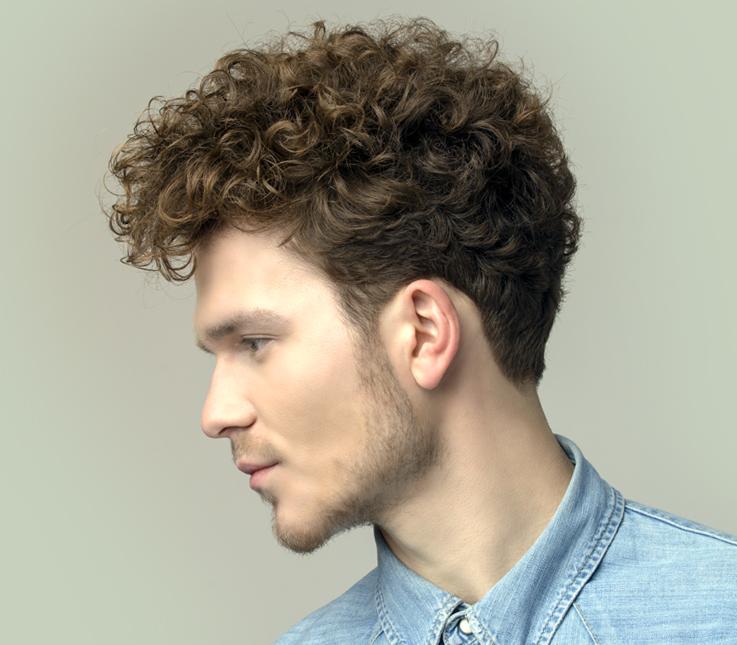Corte masculino en cabello rizado