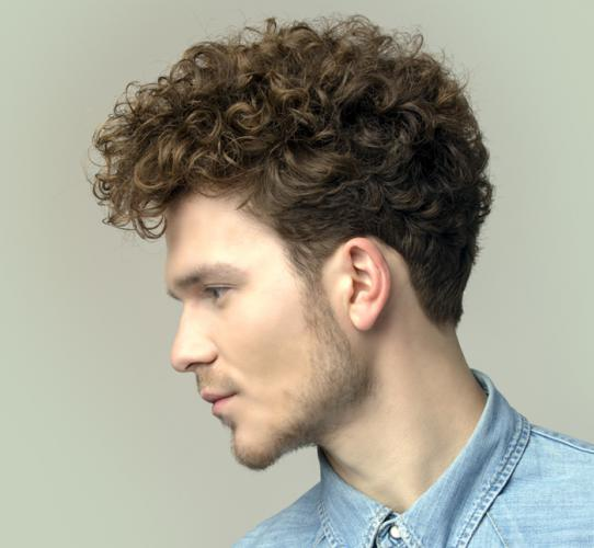Men's haircut for curly hair
