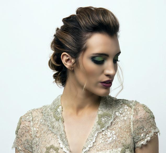 Recogido romántico en cabello medio