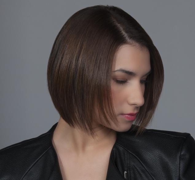 Transformación de estilo semicorto en cabello medio