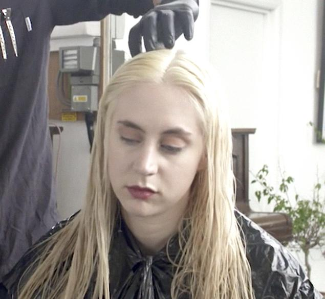 Blond root touch up