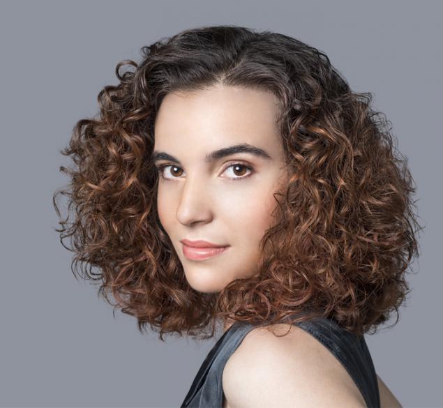 Cómo degradar un cabello rizado