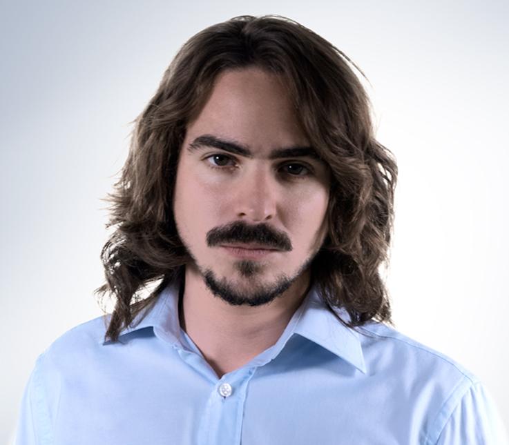 Corte masculino en cabello medio texturizado